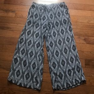 Beach cover-up pants. So cute!! Size small.